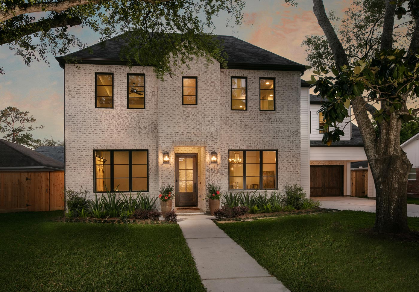 Briargrove Transitional - Front - BuildFBG