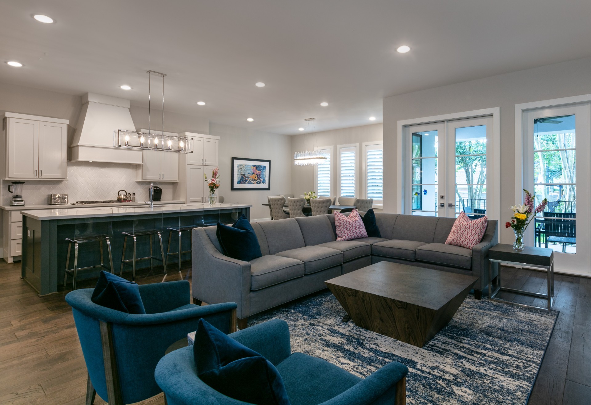 Meyerland Transitional - Living Room - BuildFBG