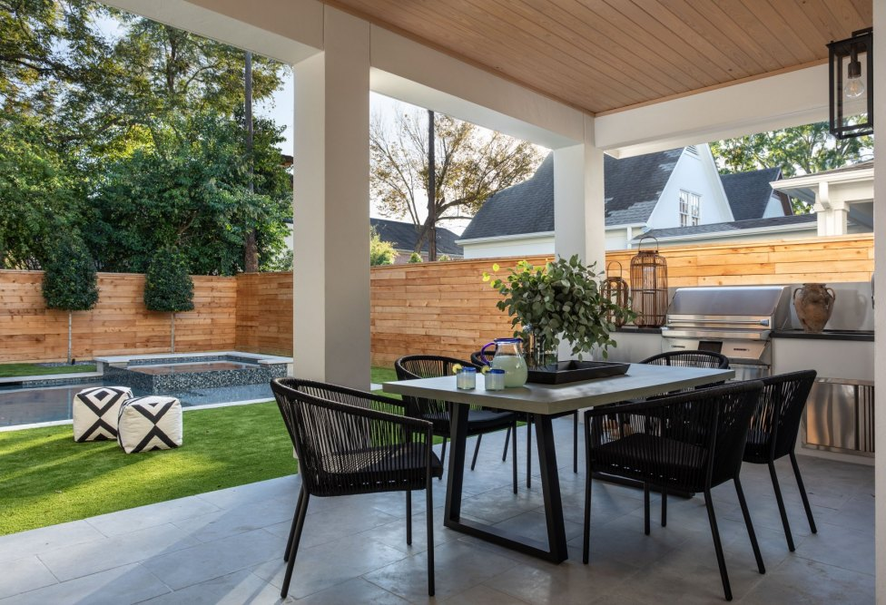 Outdoor-Dining-WEB